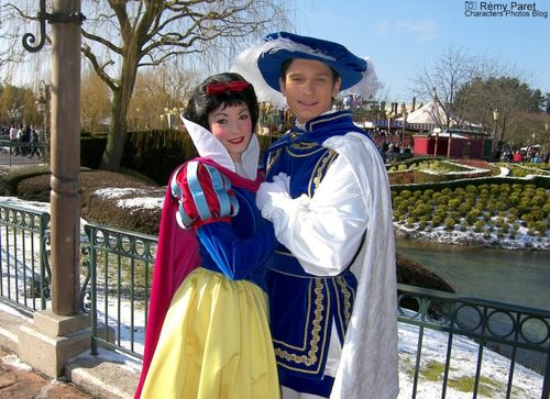 La Saint Valentin à Disneyland Paris - Page 5 49825300_m