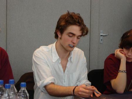 Fan Club officiel d'Edward Cullen - Page 4 27429752_p