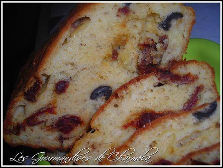 Cake Tomates Séchées et Olives 26258869_p