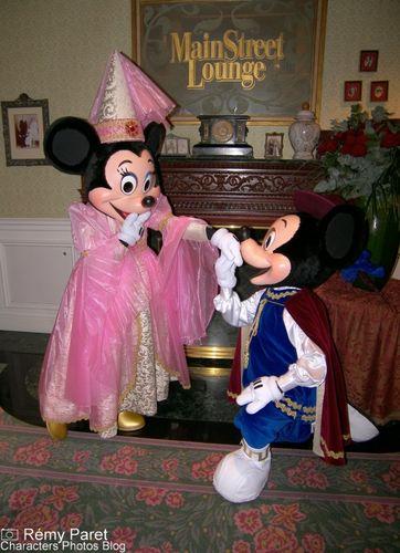 La Saint Valentin à Disneyland Paris - Page 5 49823211_m