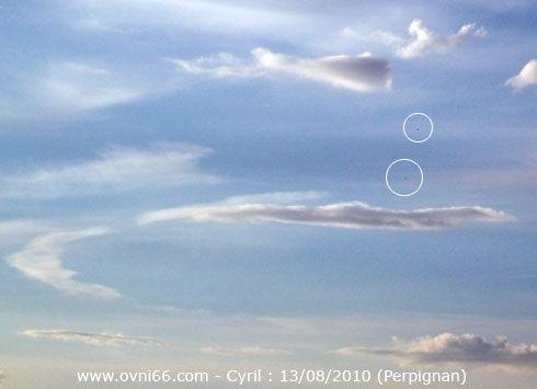 2010: Le 13/08 - Perpignan : vol en formation de sphères 56439679
