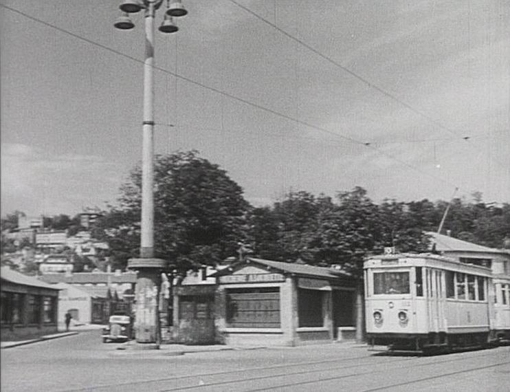 Photos historiques du réseau havrais (bus, tram, funi...) - Page 5 45545503
