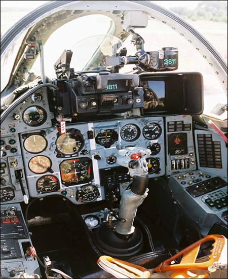 تقرير عن الطائرة الروسية سوخوي 22 .. المقاتلة متعددة المهام شبيه بالتي سقطت باليمن Su22_08