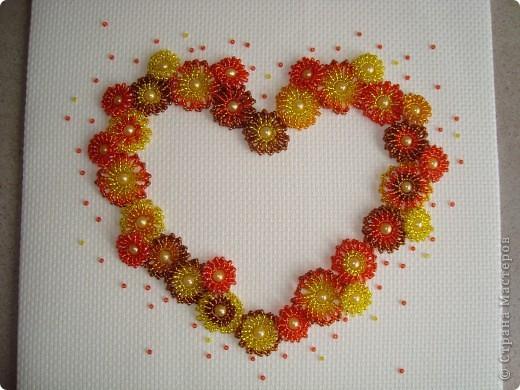 Сердце из бисерных цветов Dsc02638