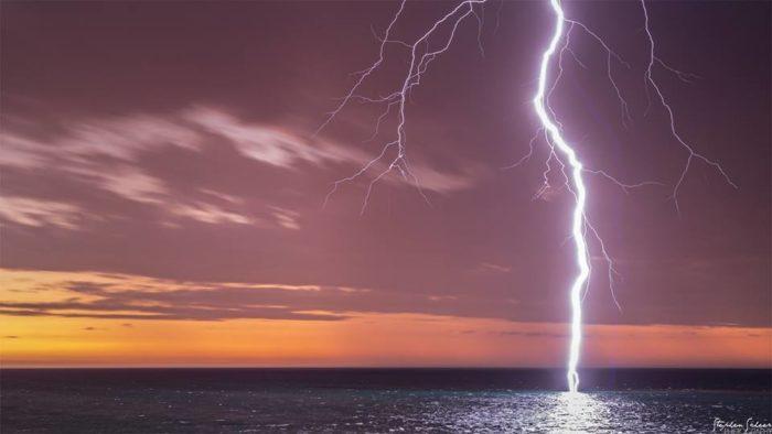 Spectacular Lightning Storm Strikes Adelaide in Southern Australia on October 26 2014 Adelaide-lightning-storm-australia-october-2014-Christies-Beach