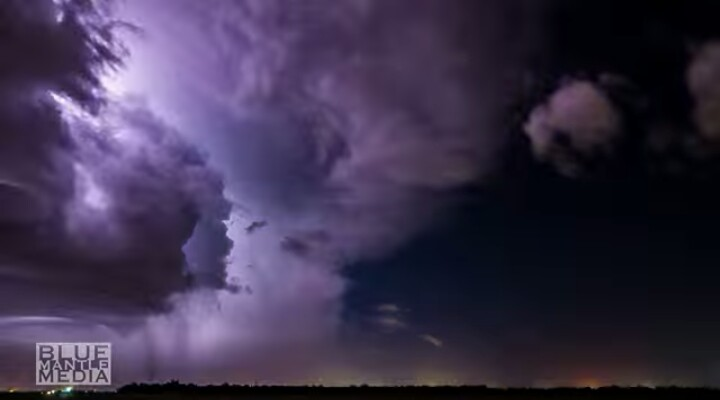 And now purple sky over Hanford, California on April 25, 2016 Purple-sky-california-1