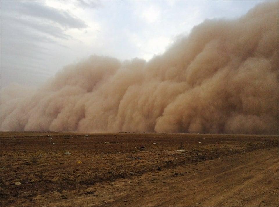 Apocalyptical sandstorm engulfs Hafr Al-Batin, Saudi Arabia on May 6, 2016 Sand-storm-saudi-arabia