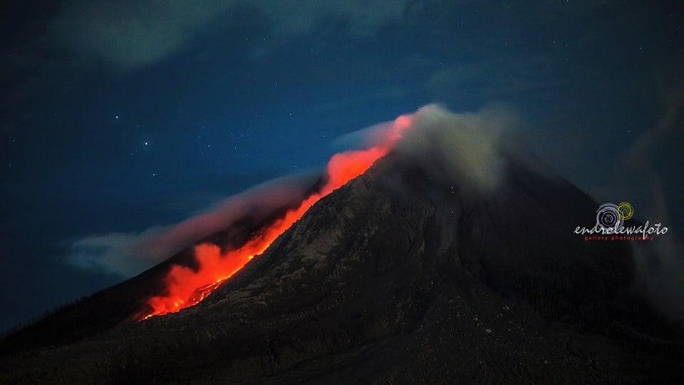 Volcanic unrest around the world Sinabung-volcano-3