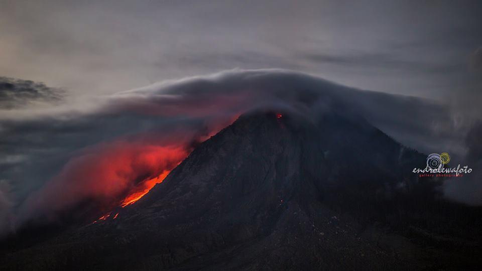 Volcanic unrest around the world Sinabung-volcano