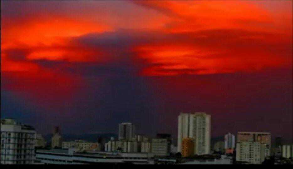 A crazy cool video of a blood red sky over Santos, Brazil Blood-red-sky-brazil