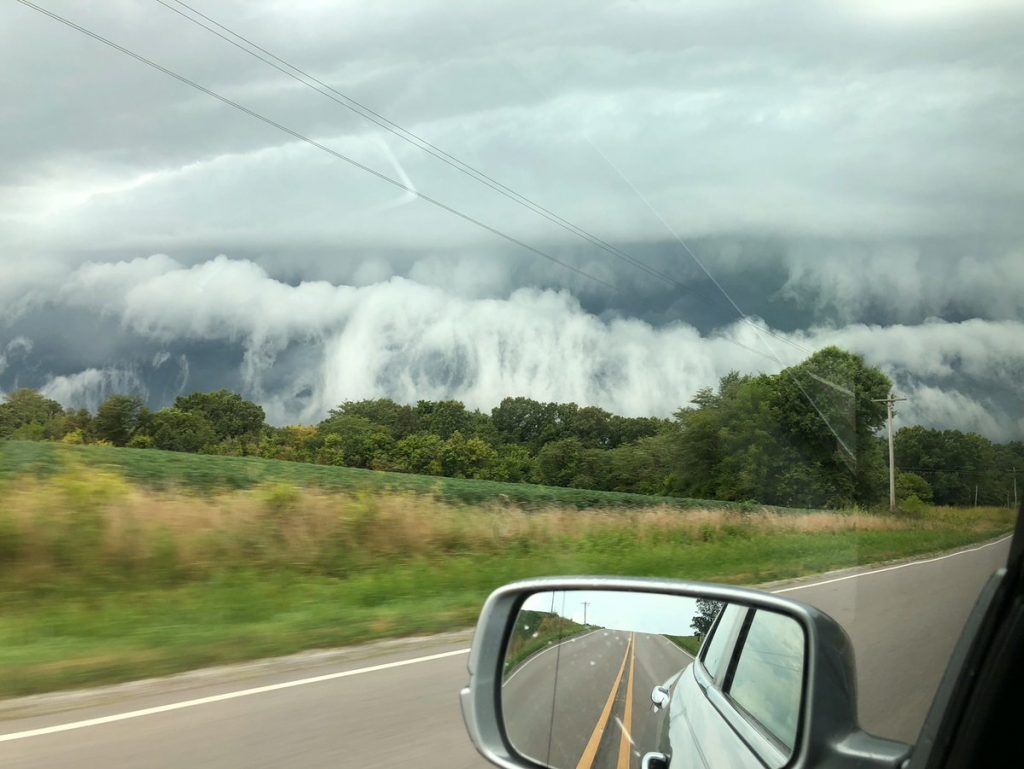 Beautiful and terrifying: Apocalyptic cloud engulfs Anna, Illinois  Terrifying-cloud-illinois-anna-6-1024x769
