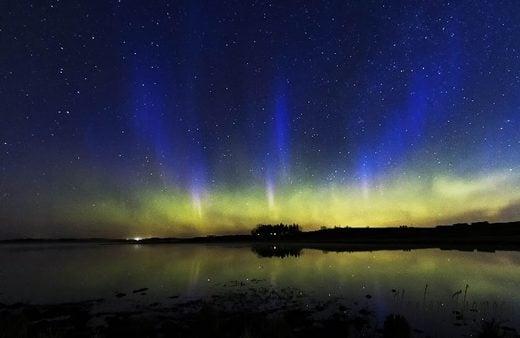 Very rare BLUE auroras and STEVE phenomenon appear in the sky over Calgary, Canada Blue-auroras-calgary-canada-may-2019