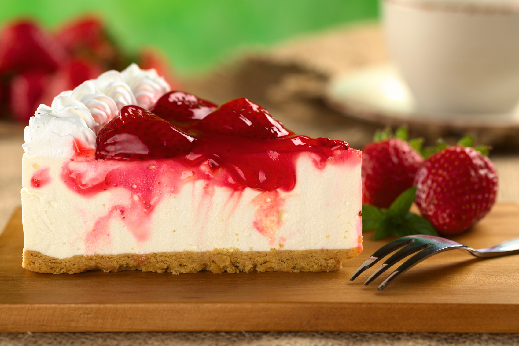 Food Thread Strawberry-Cheesecake-with-Strawberry-Syrup