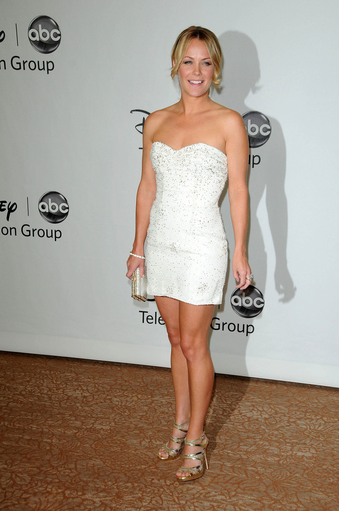 MILFs..de 35 a 45. - Página 10 Andrea-anders-at-the-disney-abc-television-group-summer-2010-press-tour-evening-beverly-hilton-hotel-beverly-hills-ca-08-01-10imagecollect