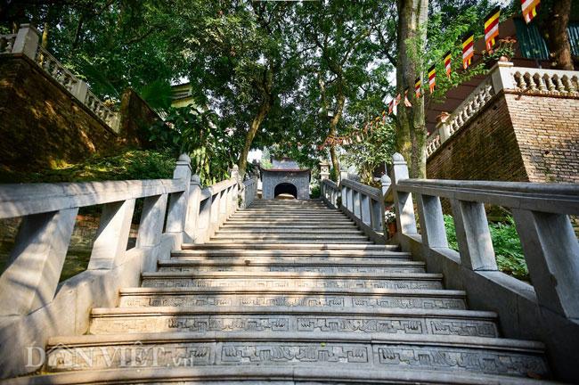 Bí ẩn ngôi chùa không có hòm công đức và nhục thân Thiền sư 300 năm không phân hủy ở Bắc Ninh (+video) Anh-12-1552839633-width650height432