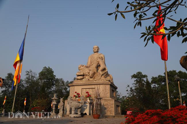 Bí ẩn ngôi chùa không có hòm công đức và nhục thân Thiền sư 300 năm không phân hủy ở Bắc Ninh (+video) Anh-9-1552839633-width650height433
