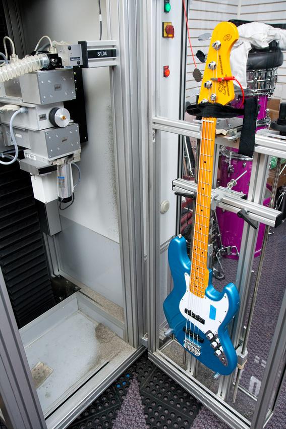 Novo Fender Precision Roger Waters Signature - Página 2 P831831054-5