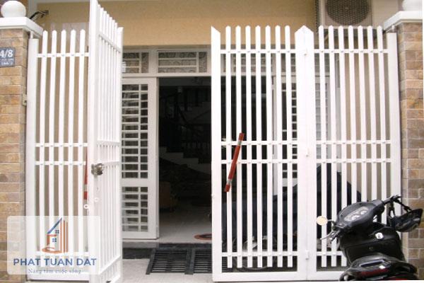 Thiết bị nghe nhìn: Cửa cổng sắt rẻ đẹp Cua-cong-sat-re-dep