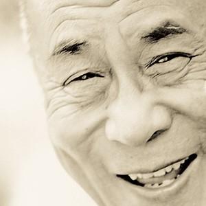 Envoyé spéciale:Interview du Dalaï Lama par Laurence Lemoine Dalai_Lama_m