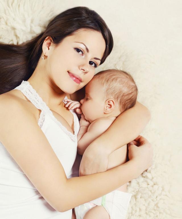 Zašto mi je žao devojaka koje su postale majke u ranim 20-im? 17372937356bd9c0c61cc1558937028_w640