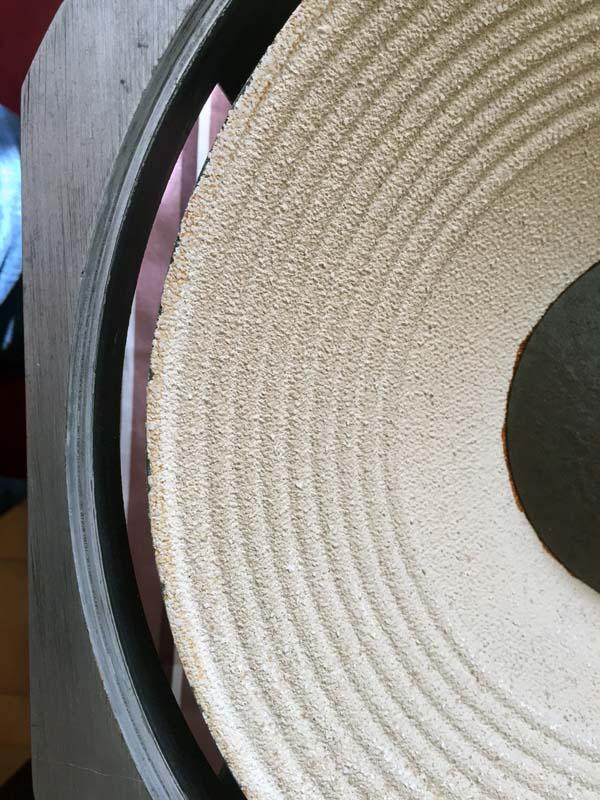 conseils pour nettoyer et restaurer une paire JBL LE14-A Nettoyeerhp2