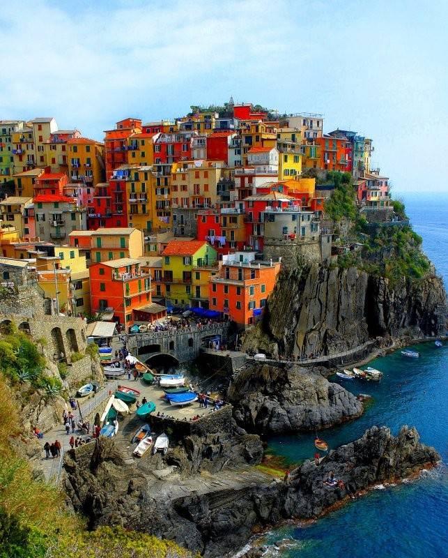 Arhitektura Zanimljivosti_Cudne_Gradjevine_Grad_u_Italiji_1