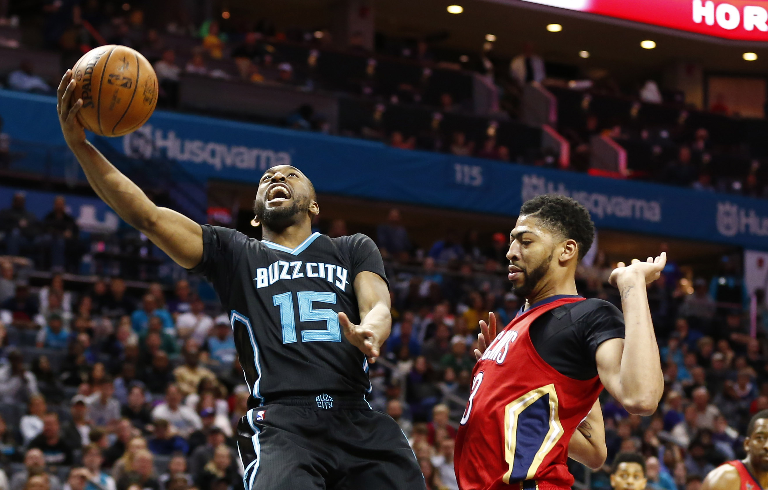 SR 2017-18 - Page 4 9935226-nba-new-orleans-pelicans-at-charlotte-hornets
