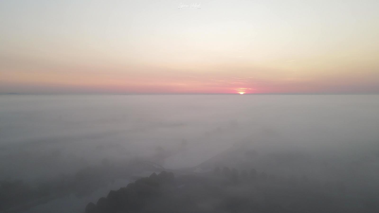 Mer de nuages Vlcsnap-2020-09-14-18h07m31s556