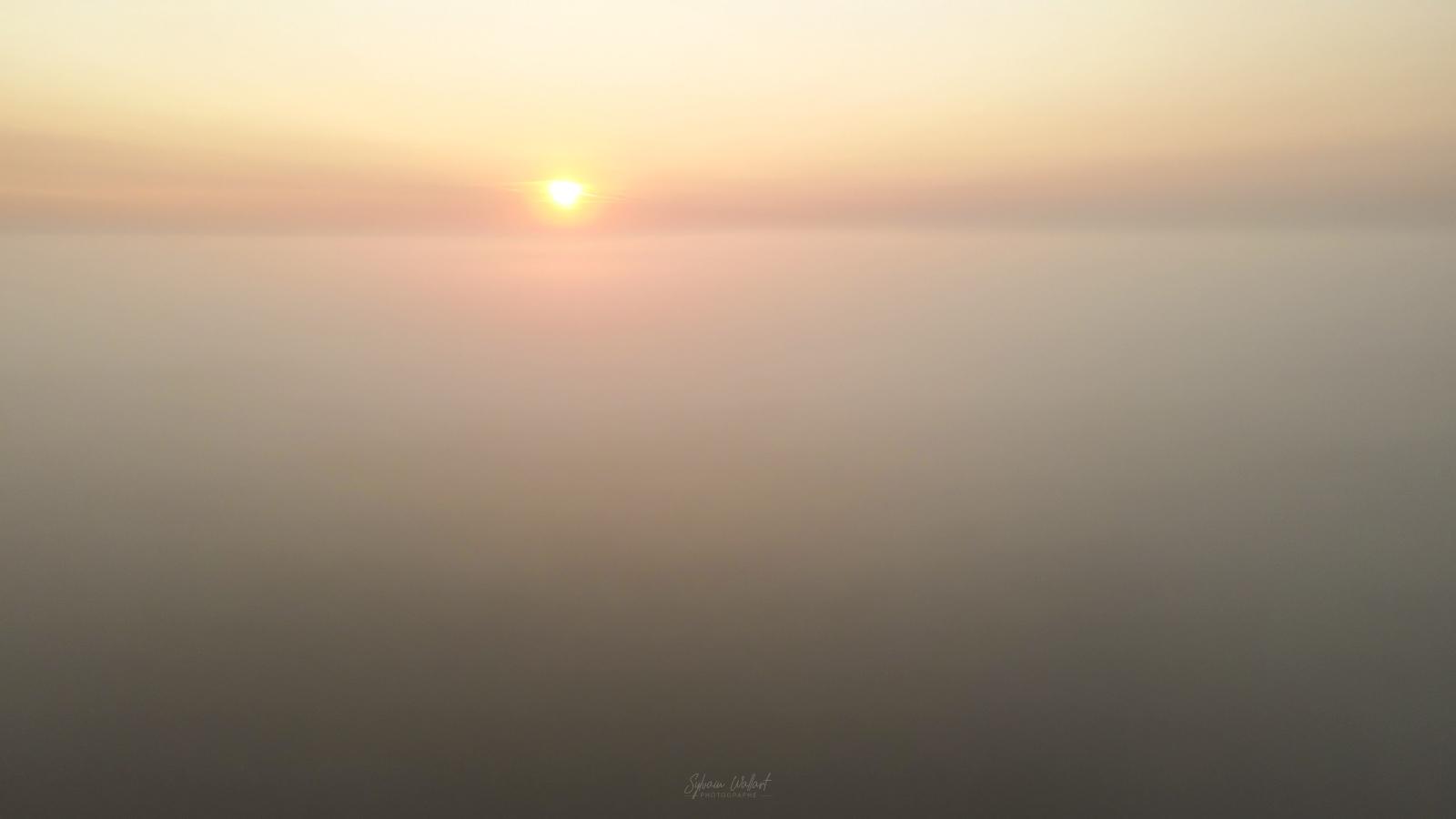 Mer de nuages Vlcsnap-2020-09-14-18h09m09s553