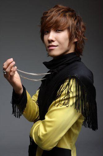 صور المغني لي جون من فرقة ام بلاك  - صفحة 5 Lee_joon_mblaq__26112009065925