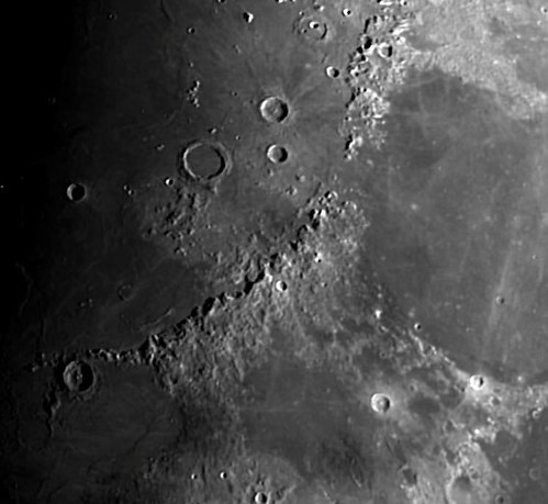 La Lune - Page 18 Lune3_2
