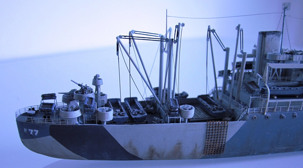 USS Thurston - Omaha beach D DAY - Cargo type C2 - 1/700 - Loose cannon & scratch - Nesquik 11
