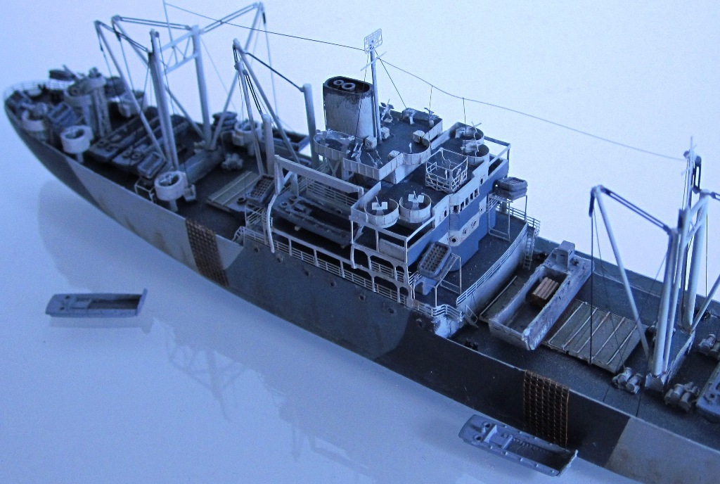 USS Thurston - Omaha beach D DAY - Cargo type C2 - 1/700 - Loose cannon & scratch - Nesquik 9