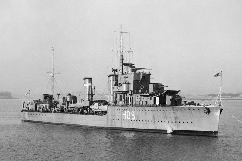 HMS Eclipse 1/700 Tamiya par Nesquik TypeE2