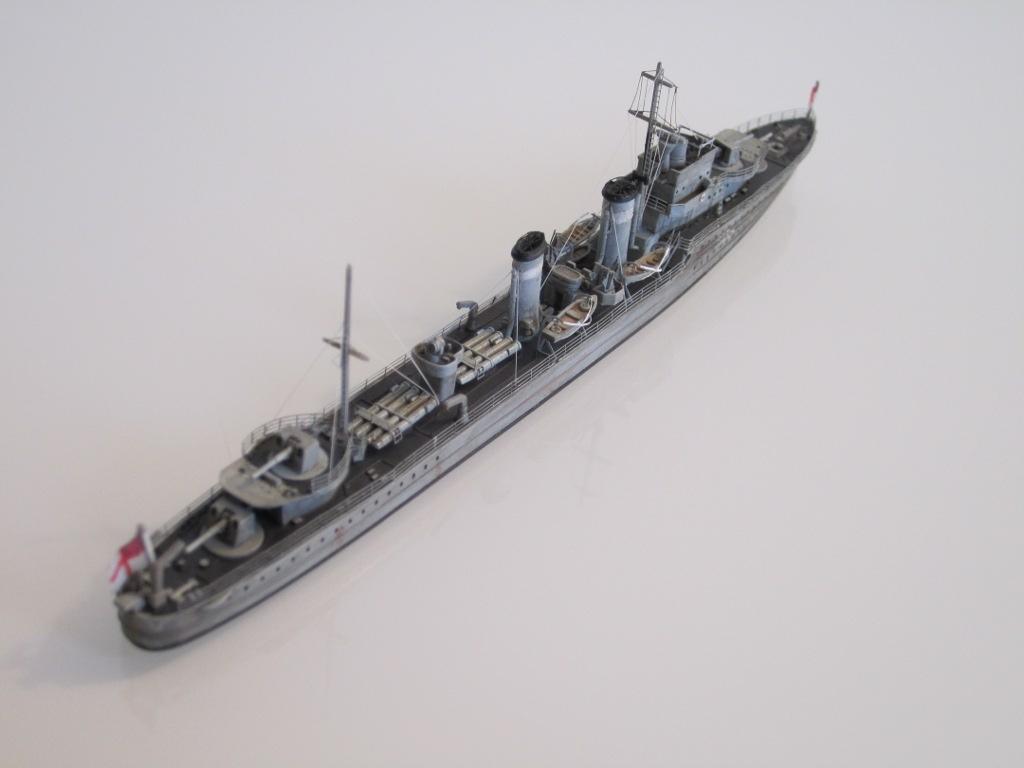 HMS Eclipse 1/700 Tamiya par Nesquik TypeE4