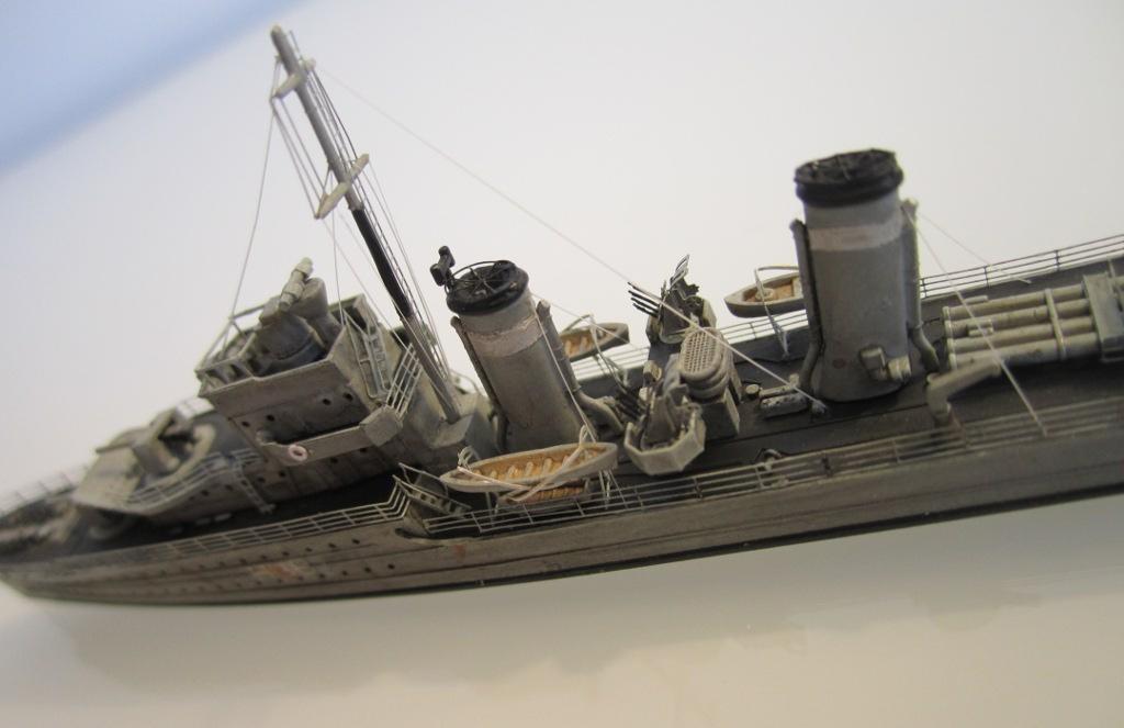HMS Eclipse 1/700 Tamiya par Nesquik TypeE8
