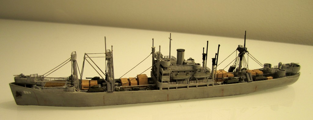 Victory Ship - Loose cannon- 1/700 par Nesquik Victory_ship_01