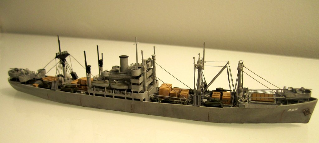 Victory Ship - Loose cannon- 1/700 par Nesquik Victory_ship_02