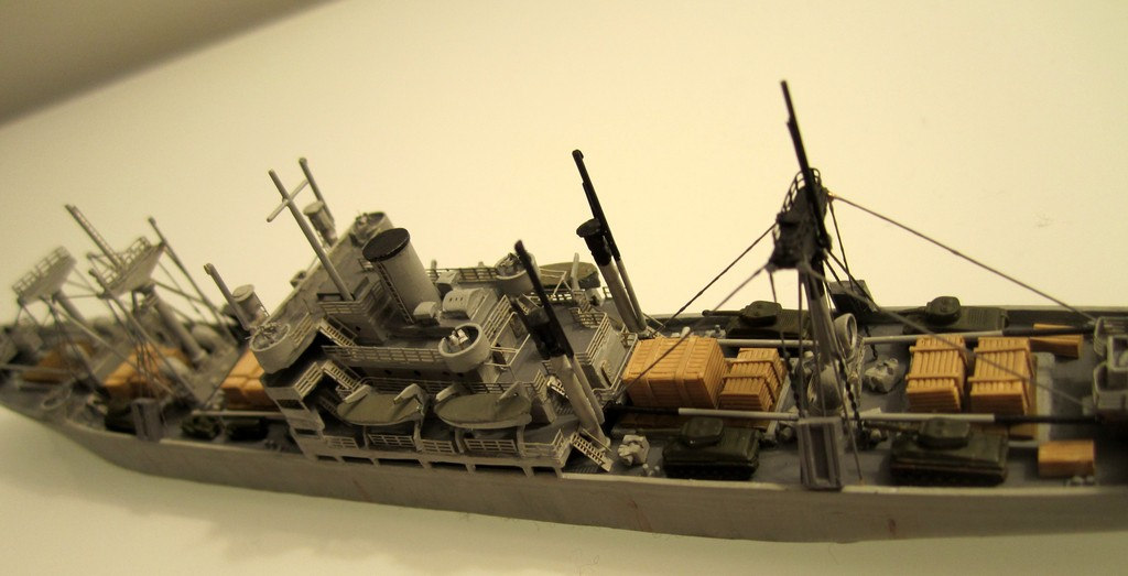 Victory Ship - Loose cannon- 1/700 par Nesquik Victory_ship_04