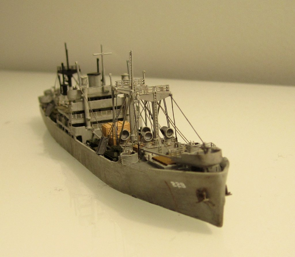 Victory Ship - Loose cannon- 1/700 par Nesquik Victory_ship_07