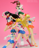 [Tamashii Nations] SH Figuarts Sailor Moon - Page 4 2ecvg2X2