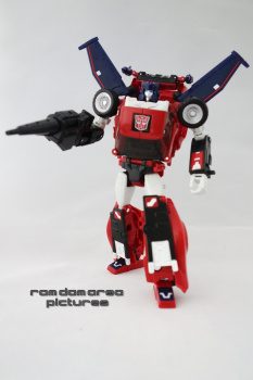 [Masterpiece] MP-25L LoudPedal (Noir) + MP-26 Road Rage (Rouge) ― aka Tracks/Le Sillage Diaclone - Page 2 WtwZtD1H