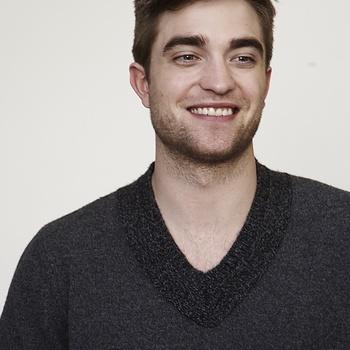 Nouveaux outtakes du shooting de Robert Pattinson pour Carter SMITH - Page 12 Aaa1np8i