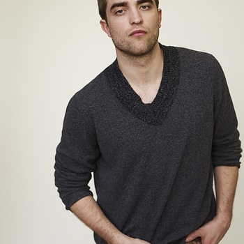 Nouveaux outtakes du shooting de Robert Pattinson pour Carter SMITH - Page 12 Aaa6fnSX