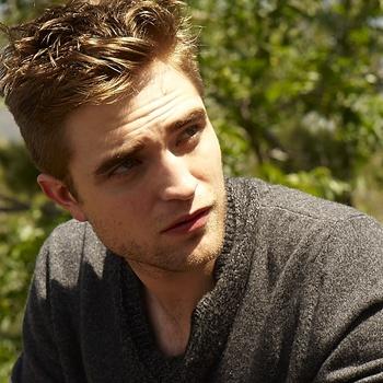 Nouveaux outtakes du shooting de Robert Pattinson pour Carter SMITH - Page 12 Aaa7dioS