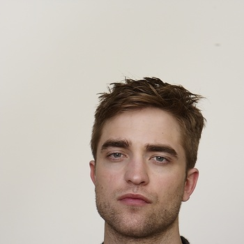 Nouveaux outtakes du shooting de Robert Pattinson pour Carter SMITH - Page 12 AaaDjhXB