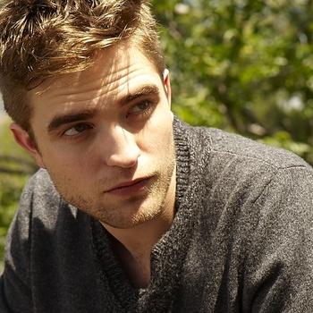 Nouveaux outtakes du shooting de Robert Pattinson pour Carter SMITH - Page 12 AaaPu5jw