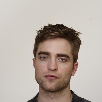 Nouveaux outtakes du shooting de Robert Pattinson pour Carter SMITH - Page 12 AaaUpxMc