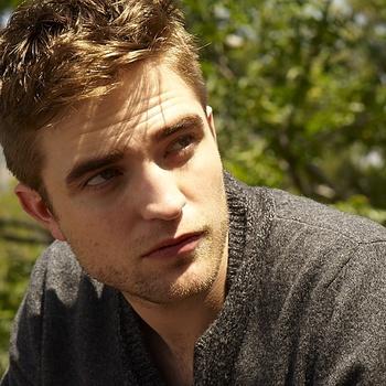 Nouveaux outtakes du shooting de Robert Pattinson pour Carter SMITH - Page 12 Aaag2Htq