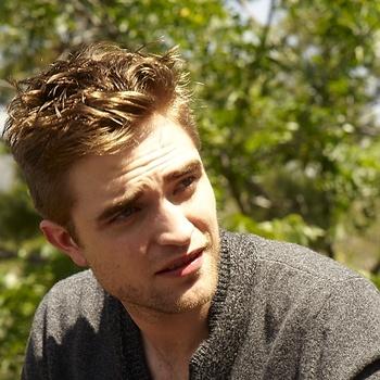Nouveaux outtakes du shooting de Robert Pattinson pour Carter SMITH - Page 12 AaagzK86